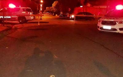 Homem tenta golpear policial com faca durante ocorrência e é morto a tiros em Guararapes